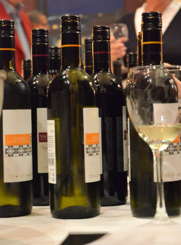 wine tasting dating dublin Wine connoisseurs and wine lovers – prepare your taste buds for an array of incredible flavors we are one day (sat, nov 2 from 6-9pm) away from tasting a dozen fabulous wines and exceptional hors d'oeuvres at dublin arts council's annual wine tasting fundraiser.